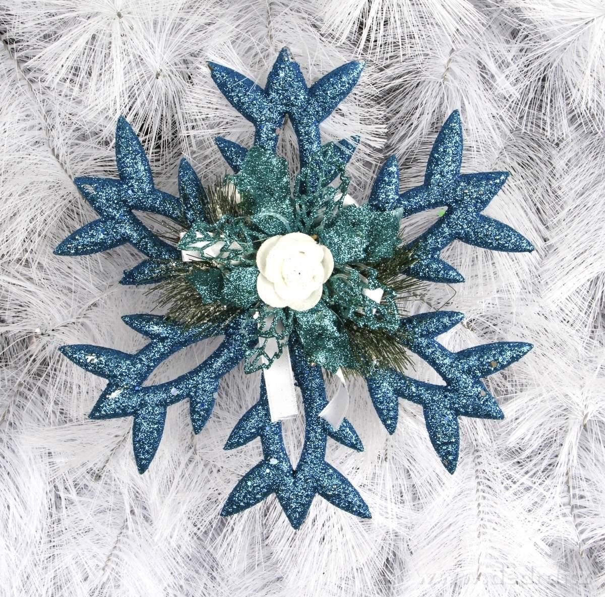 Závesná modrá dekorácia